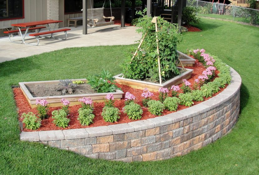 How to Build a Garden Retaining Wall - Thrifty Outdoors ...